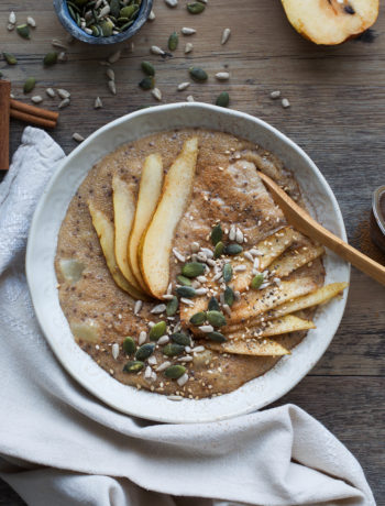 Pear Amaranth Porridge - Wanders and Greens